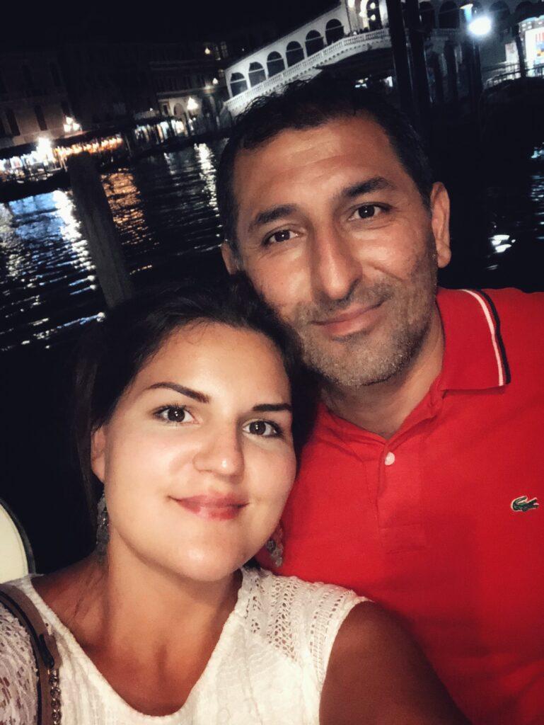 Helena se svým tureckým manželem, na návštěvě Benátek.