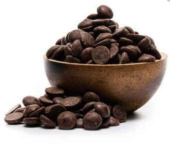 tmavá čokoláda v misce