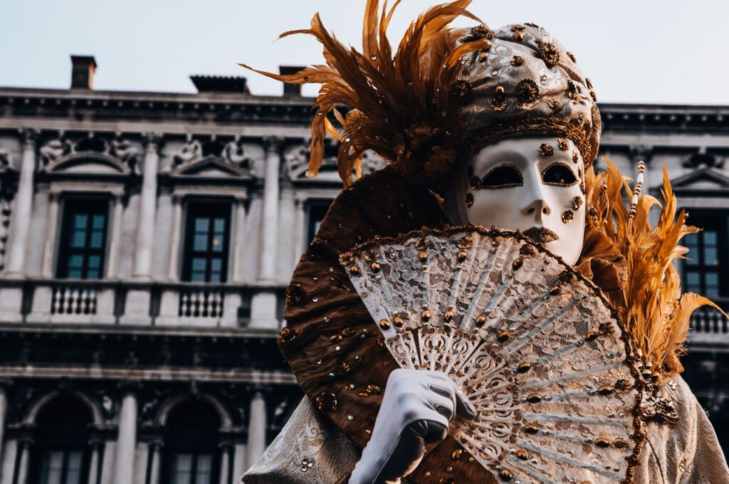 Mezi symboly města Benátky patří tradiční masky
